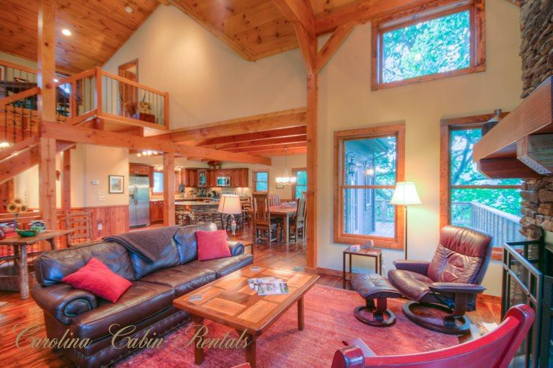 Open floorplan with High Ceilings and lots of Natural Light - Tree Top Lodge - Sugar Grove - rentals