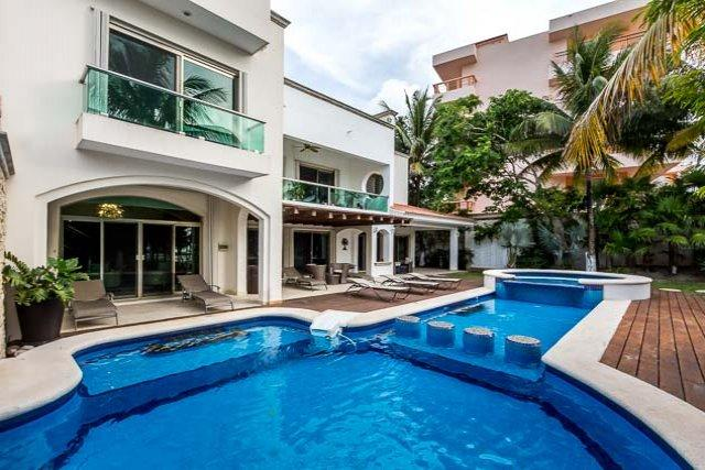 Casa Santa Pilar - Beachfront, Amazing Pool/Jacuzzi, Pool Table - Image 1 - Cozumel - rentals