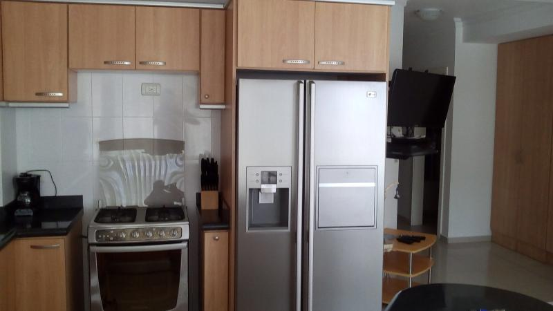 Stove /Fridge /TV with TVCable (premiem package) and DVD - Luxury Salinas Beach Apartment - Phoenix 3B - Salinas - rentals