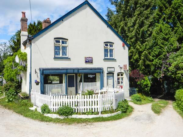 THE WILLOWS, character cottage, pet-friendly, open fire, garden in Bucknell, Ref 22795 - Image 1 - Bucknell - rentals