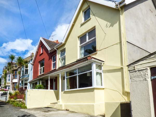GWYLAN MAISONETTE, WiFi, great location for touring, in Tenby, Ref. 920011 - Image 1 - Tenby - rentals