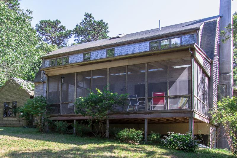 Waterview Side fo House - MORRW - Aunt Rhoda's Pond,  5 min Walk to Private Sand Beach. - Vineyard Haven - rentals
