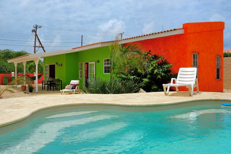 Pool and one apartment - Tropical apartments surrounding a pool in Bonaire, - Kralendijk - rentals