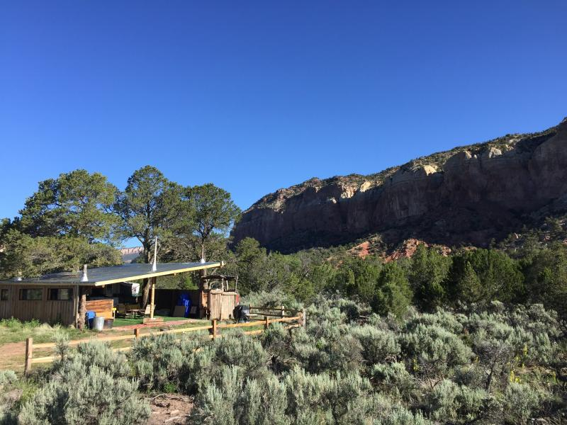 Anasazi Ruin Family Glamping Cabin is also great for small groups. - Anasazi Wilderness Glamping Cabin - Abiquiu - rentals