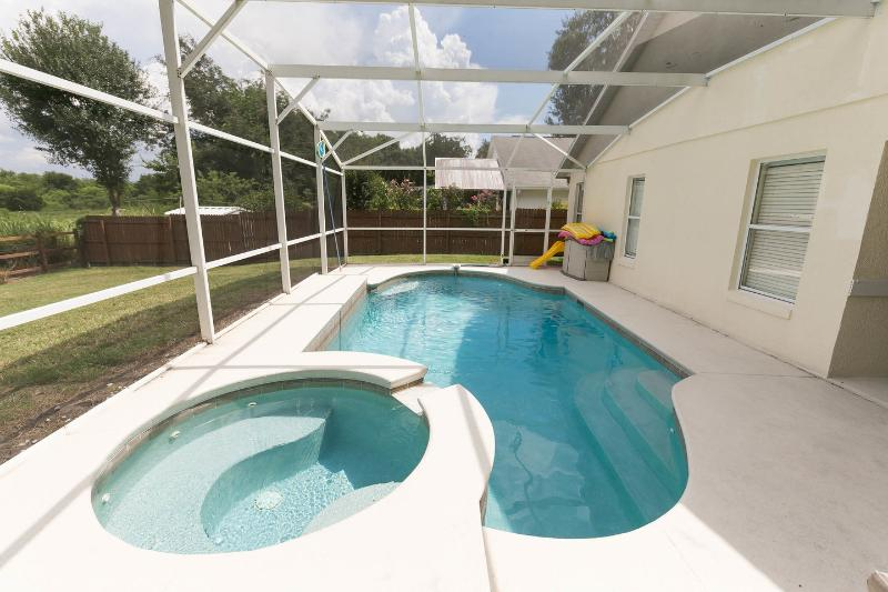 The Pool - CONSERVATION - HOT TUB - FREE POOL HEAT  - Tax Inc - Kissimmee - rentals