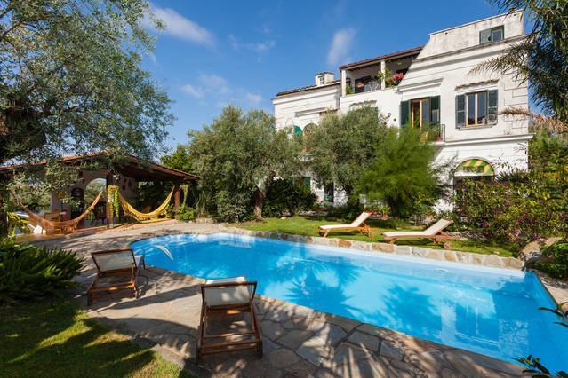 Apartment in Villa - Image 1 - Massa Lubrense - rentals