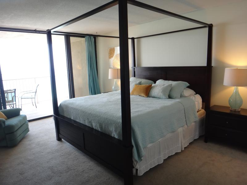 Modern chic 2 Bd/2B Oceanfront Condo at Panama Cit - Image 1 - Panama City Beach - rentals