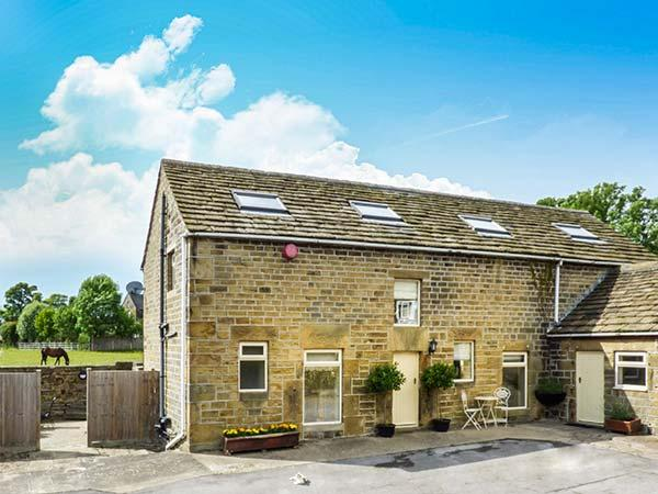 BULLACE BARN, detached stone-built cottage, family and pet friendly, in Millhouse Green, near Holmfirth, Ref 23330 - Image 1 - Holmfirth - rentals