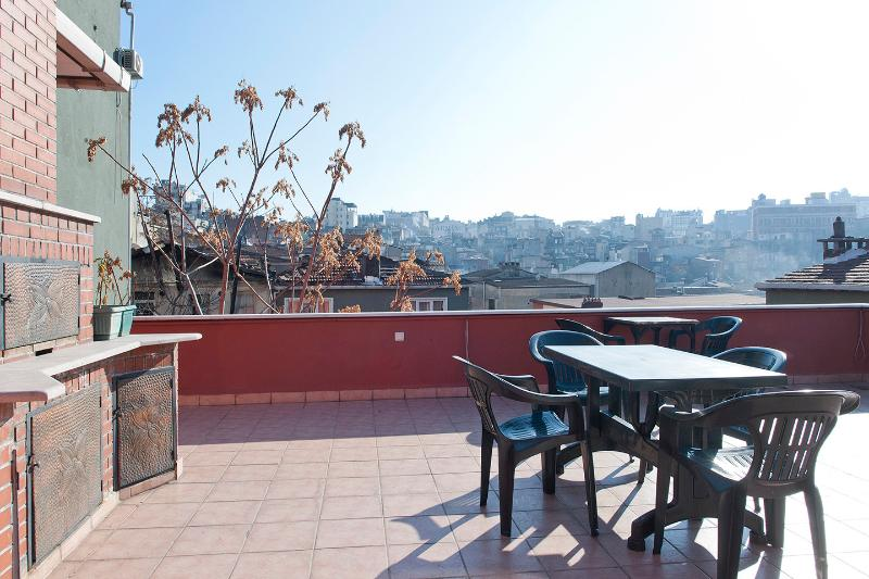 Nice Flat ,  Aesthetic Red House - Image 1 - Istanbul - rentals