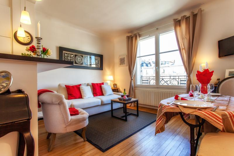 Parisian Apartment with Eiffel Tower View - Image 1 - Paris - rentals