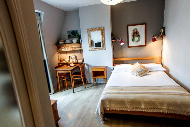 Paris at Home - Bastille - Le Marais - Image 1 - Paris - rentals