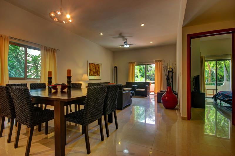 Palmar del Sol 102. 2 bedroom apartment.Garden and pool view. Downtown - Image 1 - Playa del Carmen - rentals