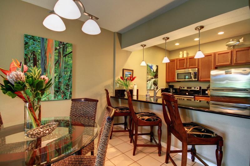 Beautifully Renovated with Modern Furnishings and Tropical Accents - Beautifully Renovated Stylish & Modern 2 Bedroom - Wailea - rentals