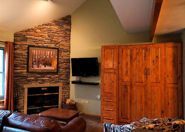 River Mountain Lodge W311 Ski-in Condo Downtown Breckenridge Vacation - Image 1 - World - rentals