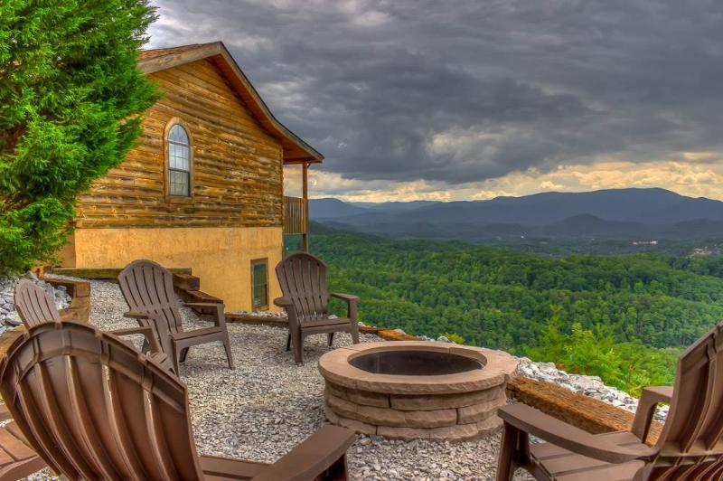 Beary Special - Image 1 - Sevierville - rentals
