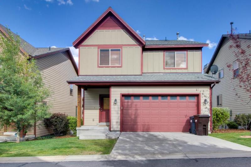 Contemporary townhouse w/private hot tub & pool access! - Image 1 - Park City - rentals