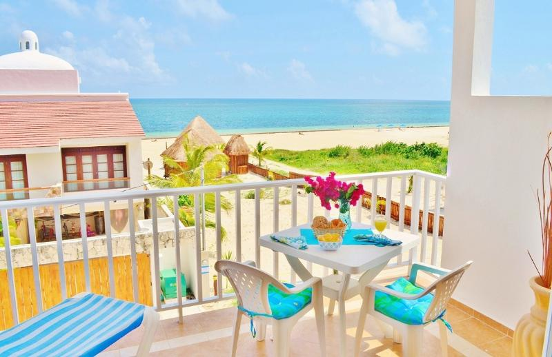 Balcony with ocean view, the perfect place to enjoy the breakfast. - Beautiful Suite near the Ocean -Corales B 2BR Suite - Puerto Morelos - rentals