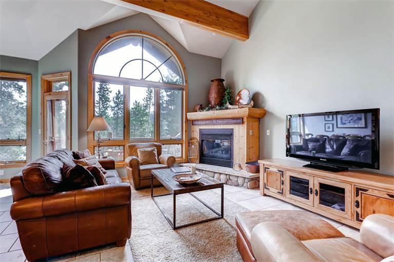 Perfectly Priced Breckenridge 4 Bedroom Walk to lift - EL428 - Image 1 - Breckenridge - rentals