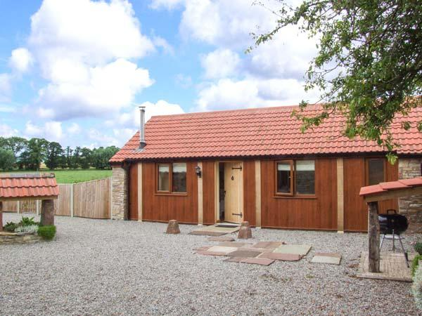 THE CALF SHED, WiFi, romantic retreat, woodburner, in Adsett, Ref. 29559 - Image 1 - Westbury on Severn - rentals