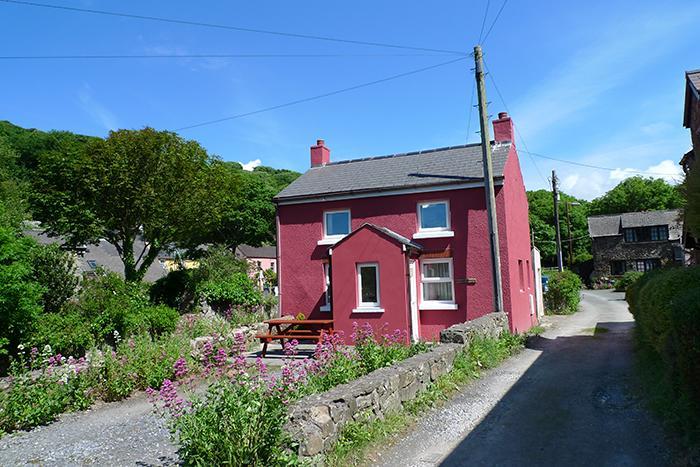 Pet Friendly Holiday Cottage - Dingle Cottage, Solva - Image 1 - Solva - rentals