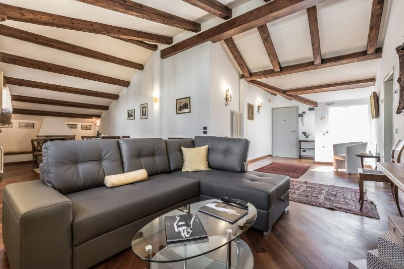 Ca' Lauretta - Attic apartment in the heart of Venice - Image 1 - Venice - rentals