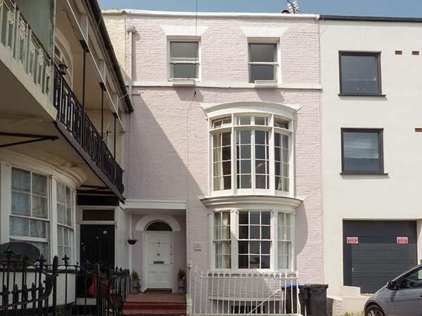 CASA MAR BELLA, coastal escape, WiFi, enclosed courtyard, sea views, terraced cottage in Ramsgate, Ref. 913926 - Image 1 - Ramsgate - rentals