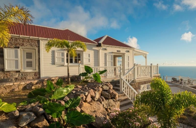 Spyglass side entrance morning - Spyglass - Saba villa with breath-taking view - Saba - rentals