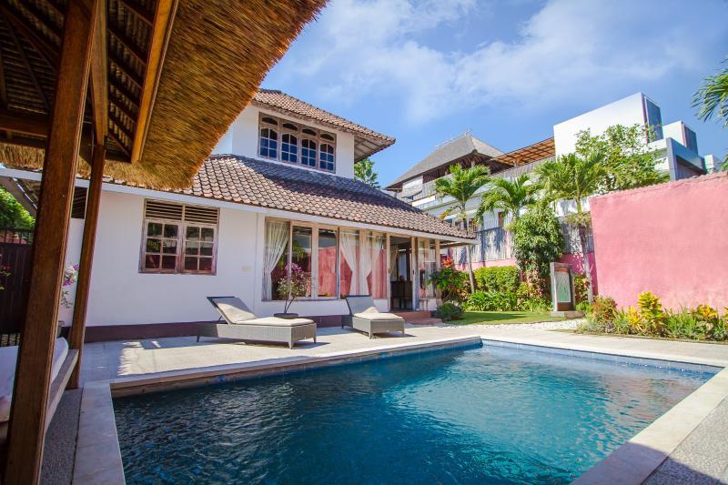 3 Bedrooms classic style Villa - Image 1 - Seminyak - rentals