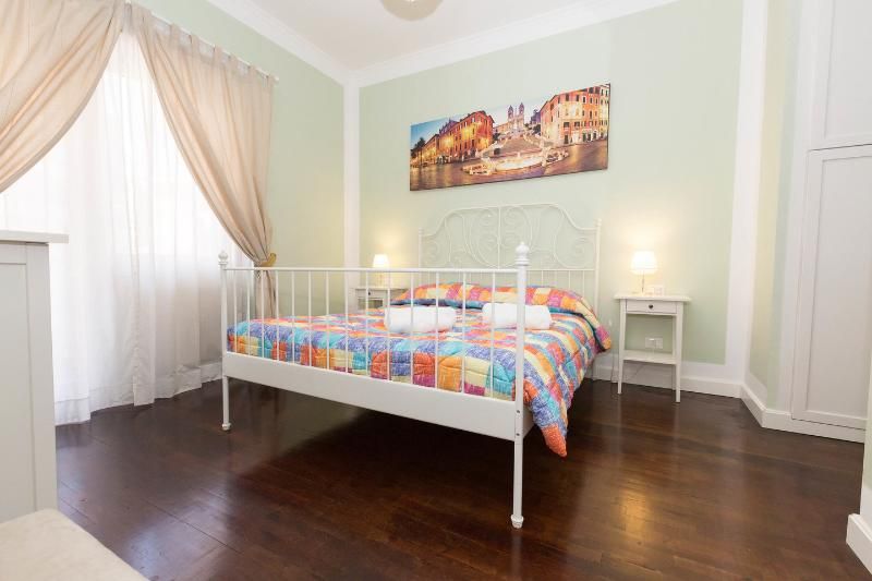 "The Master Bedroom - ""Longhi Holidays House"" Apartment sleeps 4 people - Rome - rentals"
