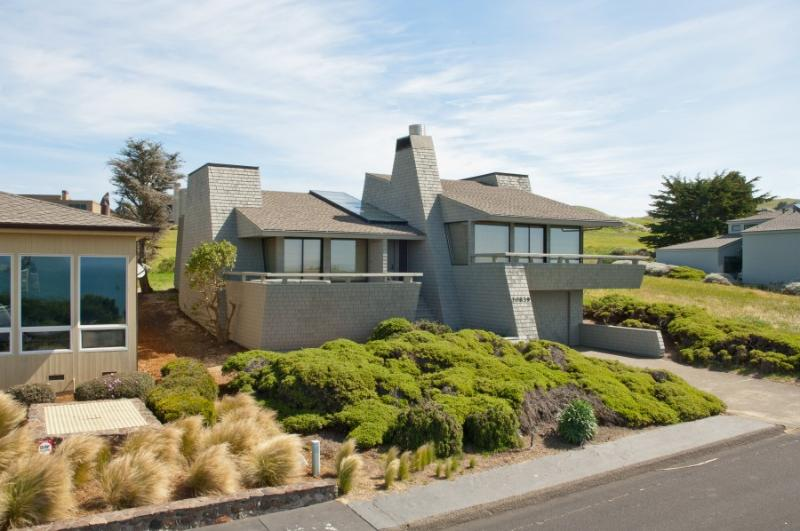 Front elevation - Pacific Escape - Bodega Bay - rentals