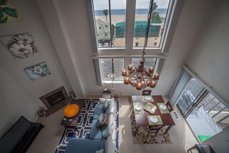 Oceanview Penthouse in Venice Beach with 5 Queen Beds - Image 1 - Los Angeles - rentals