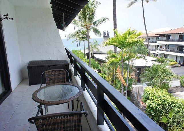 Ocean Views From Lanai - Casa De Emdeko 310- One Bedroom Deluxe with Ocean Views- AC Included! - Kailua-Kona - rentals