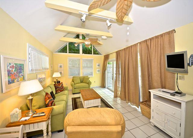 Beautiful living space with new furnishings  - Oceana Suite - Historic Cottage w/ Beautiful Pool Close To Everything - Key West - rentals