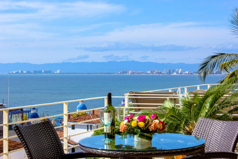 Balcony Bistro Table and Chairs - Dream Condo With Oceanview At 353 Amapas--Old Town - Puerto Vallarta - rentals