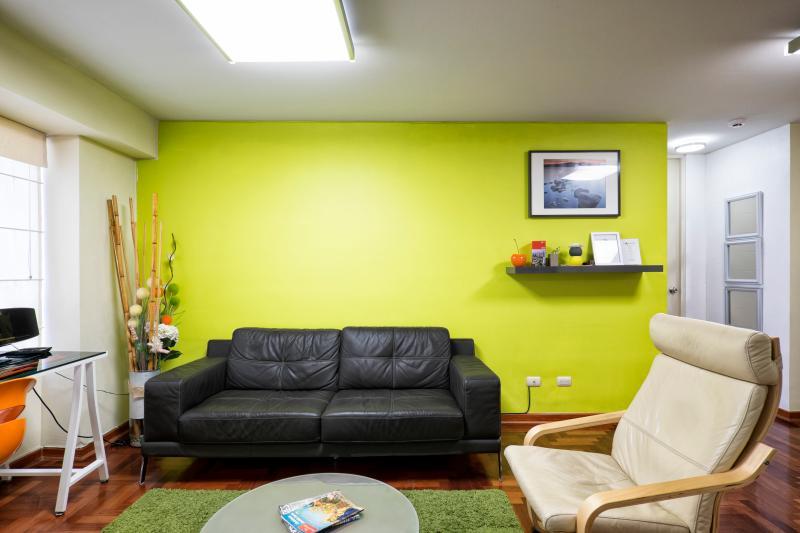 Living room - Modern 1BDRM - Lima, Miraflores - Lima - rentals