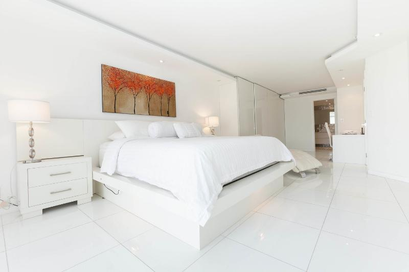 The Master Bedroom - By Gvaldi - Double Tree The Grand 3/3 Condo - Coconut Grove - rentals