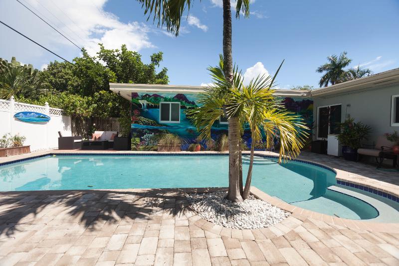 The Pool - Luxury 1BR w/Pool in Heart of Lauderdale - Fort Lauderdale - rentals