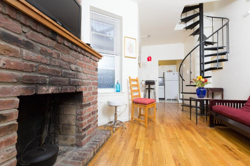 Living Room - 2br Duplex Steps Away From Empire State Building - New York City - rentals
