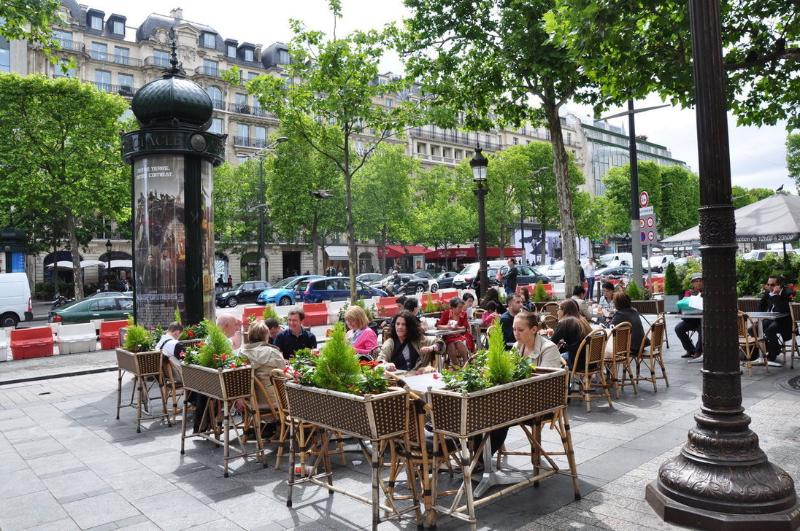 Local Area - CHAMPS ELYSEES~2 BALCONIES~SLEEPS 6 IN ST AUGUSTIN - Paris - rentals