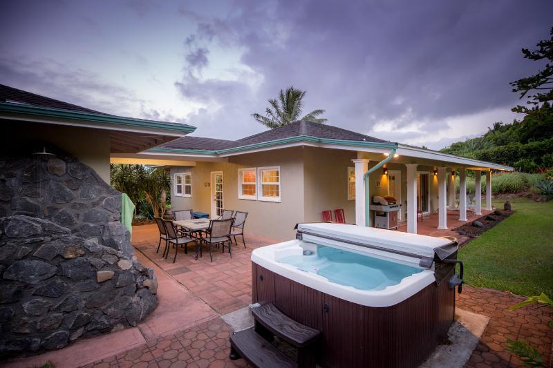 elegant vacation home - Kiralani - tropical fruit plantation - Lic. STPH2013/0027 - Haiku - rentals