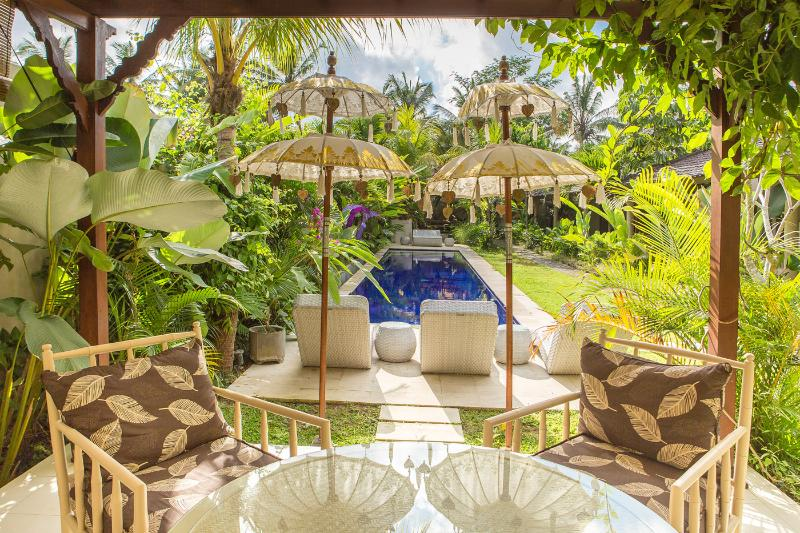 Ahh, 4 Bedroom Tropical Garden Villa, Ubud - Image 1 - Ubud - rentals