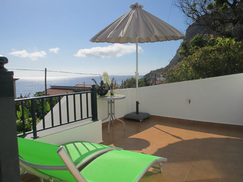 House 50M from beach! Quiet fields Warmest zone! - Image 1 - Calheta - rentals