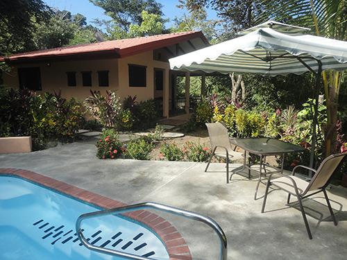 Casita Pool with jacuzzi jets - Prado Pacifico:  Secluded Casita in Busy Jacó - Jaco - rentals