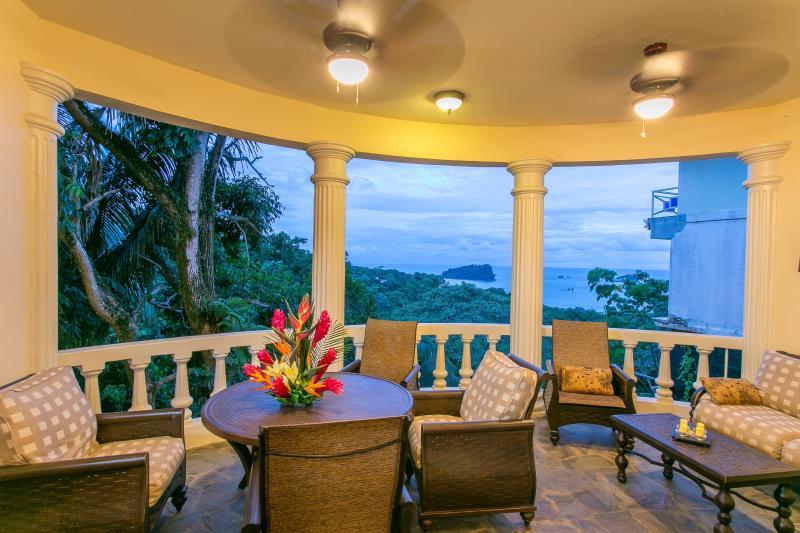 2 Br Apt in B&B-style Villa, Sea Views & Central! - Image 1 - Manuel Antonio - rentals
