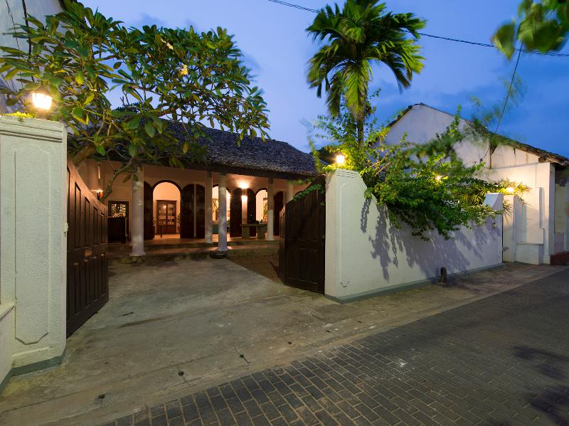 Ambassador's House - Entrance at night - Ambassador's House - an elite haven - Galle - rentals