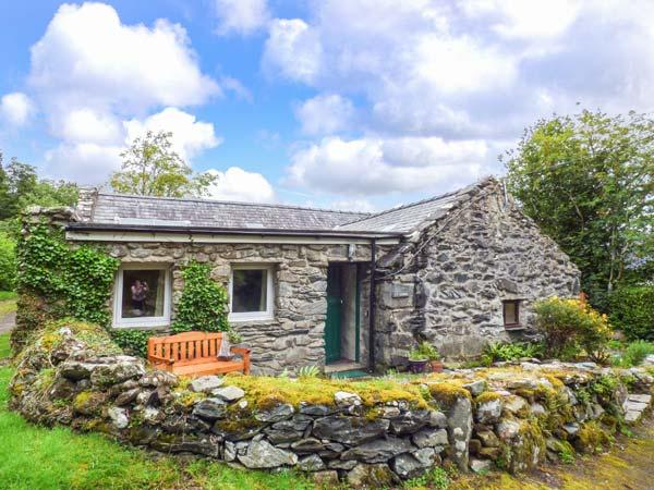 TY CERRIG, pet friendly, character holiday cottage with a garden in Llanbedr, Ref 2955 - Image 1 - Llanbedr - rentals