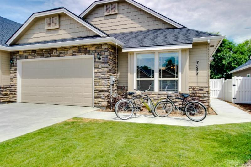 Lovely townhouse w/ huge kitchen; close to downtown Boise! - Image 1 - Boise - rentals