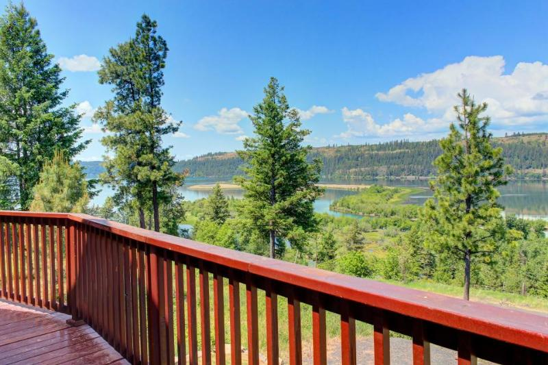 Outstanding lake & river views, private location - dog-friendly! - Image 1 - Harrison - rentals