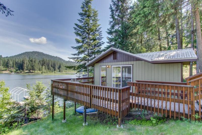 Private, dog-friendly home w/ dock and great waterfront views! - Image 1 - Hayden Lake - rentals