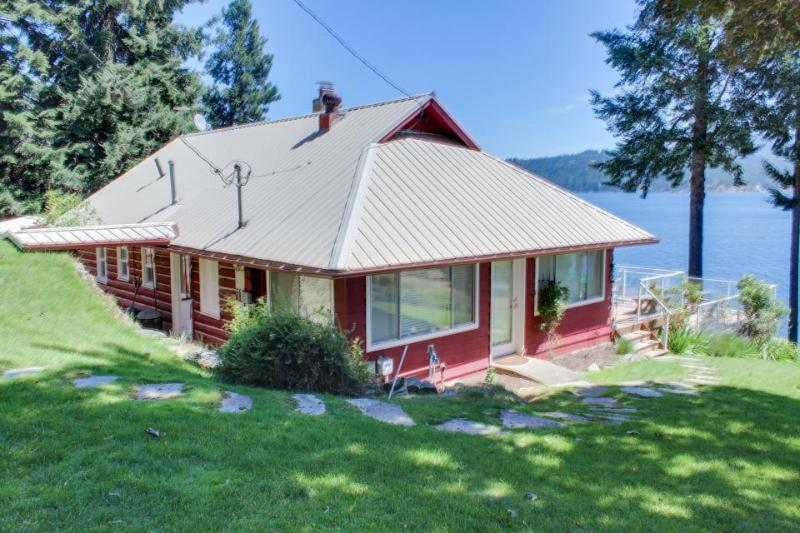 Lakefront cabin w/covered dock, two-tier deck, dogs OK! - Image 1 - Coeur d'Alene - rentals